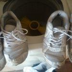 コインランドリーの靴洗い機で汚れたスニーカーを洗ってみた